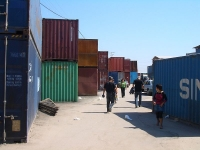 7,000 Shipping Containers Used to Create Bazaar in Kyrgyzstan 1