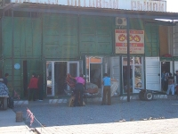 7,000 Shipping Containers Used to Create Bazaar in Kyrgyzstan 4