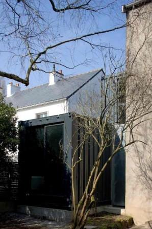 Contemporary Shipping Container House Extension