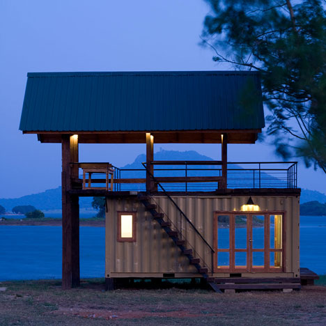 Shipping container lakeside retreat - Build home from shipping containers ...