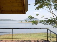 Lakeside Shipping Container Retreat in Sri Lanka 7